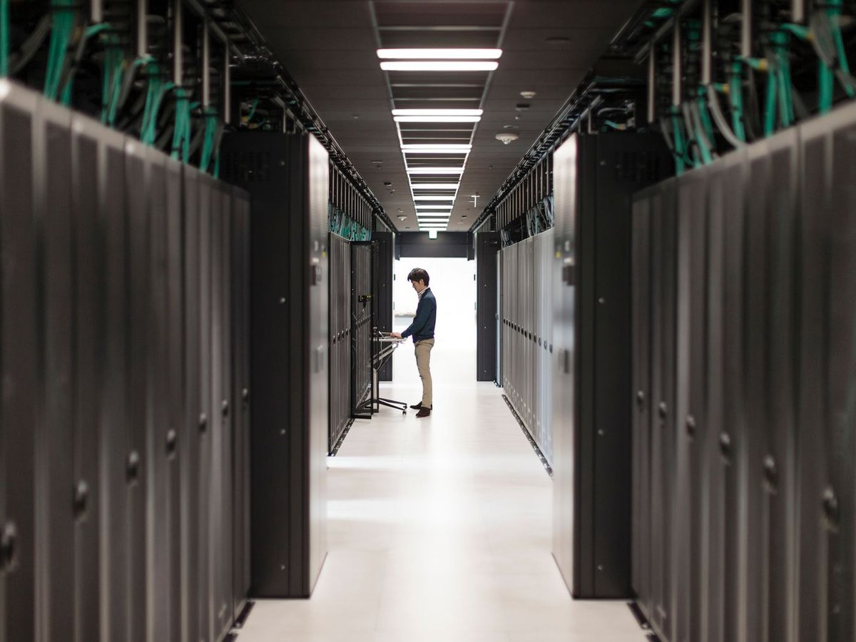 Mondmission mit HPE-Supercomputer