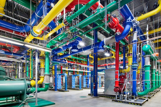 GCP Datacenter: Color Pipes The Dalles (Bild: Google)