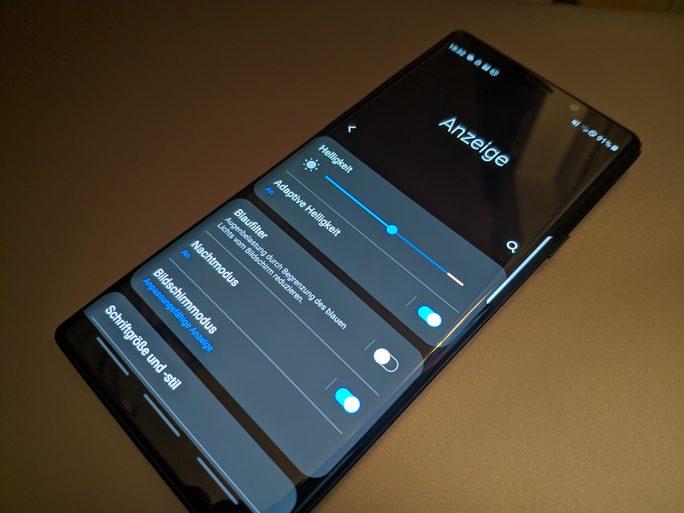 Galaxy Note 9 mit One UI und aktiviertem Nachtmodus (Bild: ZDNet.de)