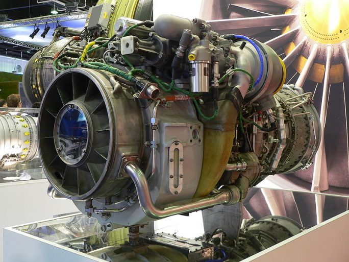 General Electric CT7 / T700 engine on display at the Paris Air Show 2007 (Bild: David Monniaux)