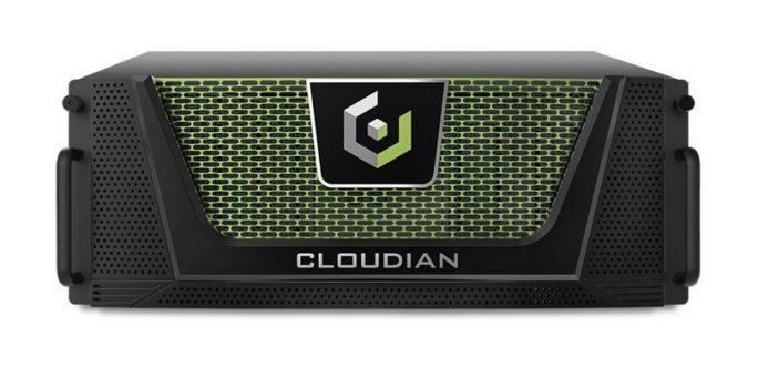Enterprise-Kunden verlassen sich der Einfachheit halber lieber auf die Cloudian-Appliances – hier die Frontansicht des 4U-systems - als ihre eigenen Server einzusetzen (Bild: Cloudian).