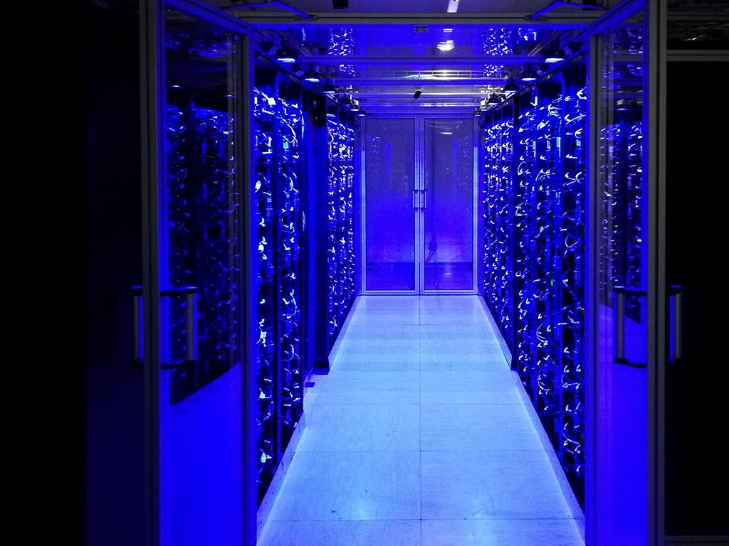 VSC-4: Österreich erhält neuen Supercomputer