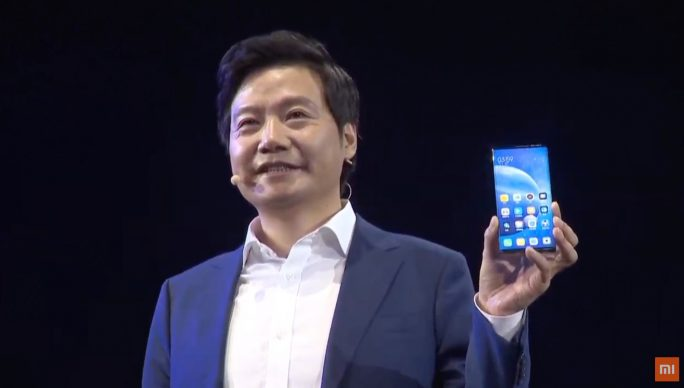 Xiaomi-Chef Lei Jun präsentiert das Mi MIX Alpha (Screenshot: ZDNet.de).