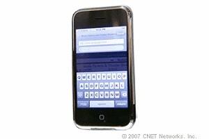 Getippt wird auf virtuellen Tasten per Touchscreen.