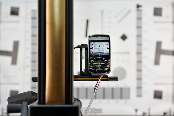Die Position des Bold 9700 muss hundertprozentig stimmen, damit die Messergebnisse nicht verfälscht werden.