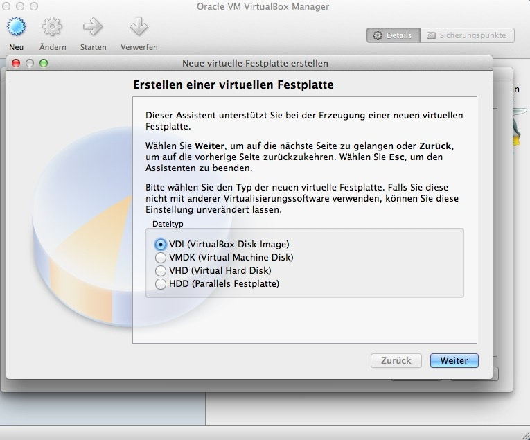 Wenn man später die virtuelle Festplatte nicht mit einer anderen Virtualisierugnslösung verwenden möchte, kann man die Standardeinstellung VDI beibehalten. Soll allerdings später aber die virtuellle Harddisk mit VMware, Microsoft oder Parallels verwendet werden, wählt man das entsprechende Format aus.