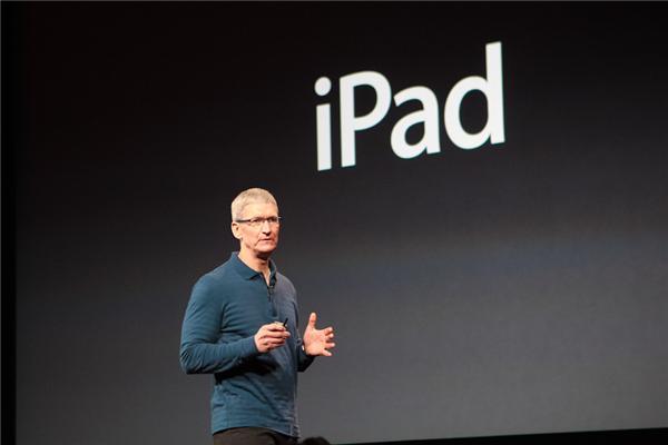 Jetzt wird es spannend: Cook kommt zum iPad (Foto: CNET).