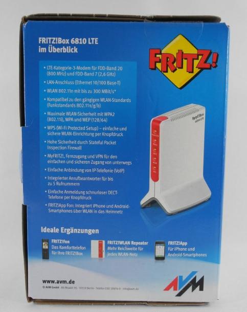 Auf der Rückseite der LTE-Router-Verpackung finden sich schon detailliertere Angaben zum Hardware- und Software-Umfang der AVM FRITZ!Box 6810 LTE. Eine lückenlose Beschreibung aller Funktionen findet sich im PDF-Handbuch auf CD (Foto: Harald Karcher).