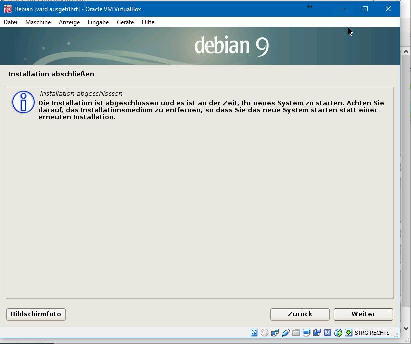 Es folgt ein Hinweis, das Installationsmedium zu entfernen. Der Anwender muss an dieser Stelle nicht eingreifen, weil dies Virtualbox bereits erledigt hat.