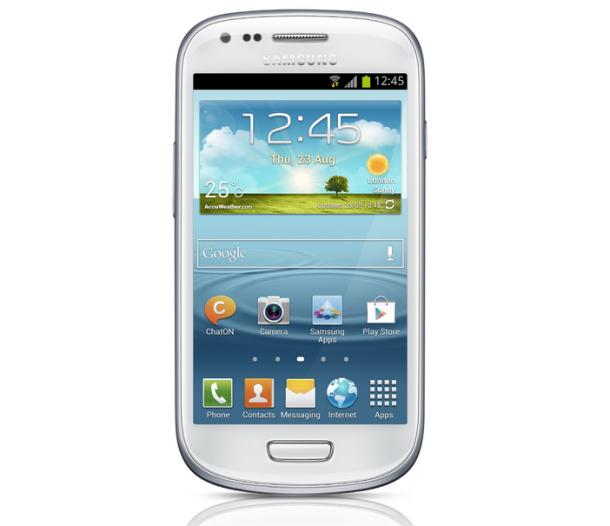 Beim Galaxy S III Mini kommt ein Super-AMOLED-Display zum Einsatz, allerdings nicht in der HD-Version. Die Auflösung liegt bei 480 x 800 Pixel. Die Pixeldichte ist mit 233 ppi im Vergleich zum S III mit 305,96 ppi etwas geringer, bewegt sich für ein 4-Zoll-Display aber im Rahmen  (Foto: Samsung).