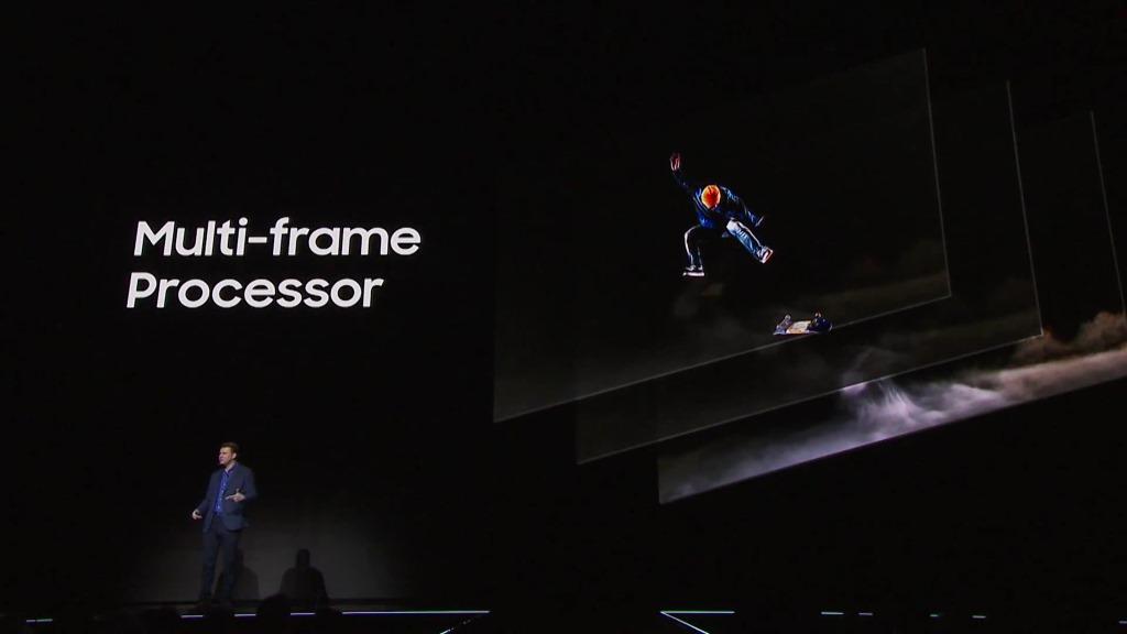 Die Hauptkamera bietet mit einer Blendenöffnung von f1.7 und einer Auflösung von 12 Megapixel die gleichen technischen Daten wie das Vorgängermodell in den Galaxy-S7-Smartphones. Allerdings unterstützen die S8-Modelle wegen der höheren Performance des Prozessors mit Multi-frame Processing ein neues Feature. Pro Aufnahme werden mehrere Bilder gespeichert und anschließend zusammengesetzt. Dadurch sollen Bildhelligkeit, Kontrast und Schärfe verbessert und Rauschen reduziert werden (Bild: Samsung).