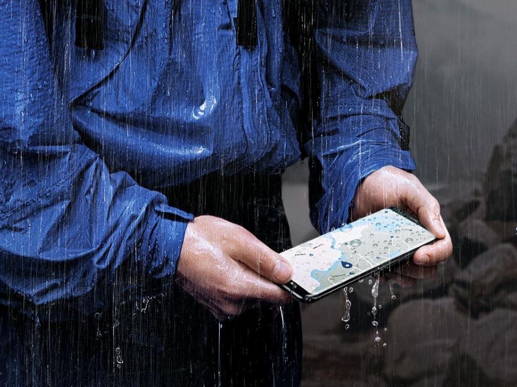 Auch die neuen Samsung-Smartphones sind vor Wasser und Staub geschützt und bieten wie die Vorgänger eine IP68-Zertifizierung (Bild: Samsung).