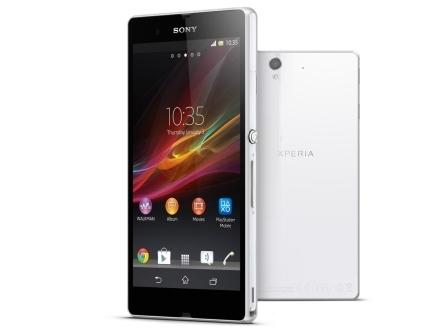 """Das Xperia Z für 649 Euro ist mit Full-HD-Display, einer Quad-Core-CPU, eine 13-Megapixel-Kamera und LTE ausgerüstet. Darüber hinaus ist es nach IP55 und IP57 gegen Staub und Wasser geschützt. Der 5-Zoll-Bildschirm löst 1920 mal 1080 Bildpunkte bei einer Helligkeit von bis zu 500 Candela pro Quadratmeter auf. Die Pixeldichte beträgt 443 ppi und liegt damit beispielsweise deutlich über den 326 ppi des iPhone 5 mit 4-Zoll-Screen. Sony setzt die von seinen Fernsehern bekannte Bravia-Technik ein, die für eine besonders scharfe Darstellung sorgen soll. Neben LTE unterstützt das Quad-Band-Smartphone auch GSM, GPRS, EDGE und UMTS mit HSPA+. WLAN, Bluetooth 4.0, NFC, aGPS und DLNA sind ebenfalls an Bord. Eine MHL-Schnittstelle erlaubt das Streamen von Multimedia-Inhalten an einen kompatiblen Fernseher. In Kombination mit den neuesten Sony-TVs ist dies mittels der Funktion """"One Touch"""" auch über NFC möglich. Sonys Android-Flaggschiff gibt es in den Farben Schwarz, Weiß und Violett  (Foto: Sony).<br><br>Zum ausführlichen Test bei <a href=\""""http://www.cnet.de/88106829/sony-xperia-z-im-test/ target=\""""_extern\"""">CNET</a></b>"""
