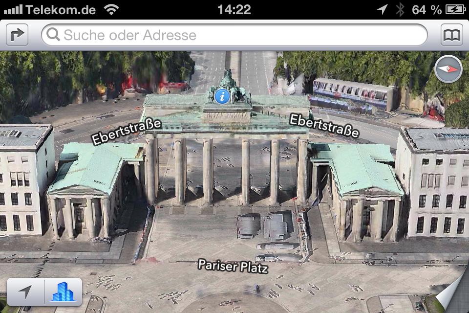 Für iOS 6 hat Apple die bisher vorinstallierte Karten-App von Google durch eine eigene Entwicklung ersetzt. Auf Basis von Vektor-basierten Kartenelementen bietet die Karten-App auch beim Schwenken, Kippen und Zoomen eine besonders gute Darstellung. Außerdem beinhaltet sie Turn-by-turn-Navigation inklusive Sprachausgabe für Richtungswechsel. Zudem stellt sie Verkehrsinformationen dar und kann dadurch alternative Routenempfehlungen geben. Besonders beeindruckend ist die Flyover-Funktion, die fotorealistische interaktive 3D-Ansichten bietet. Mit dem Update in der Final von iOS 6 bietet die Karten-App auch sehr viele deutsche Städte in 3D.  Neben München und Berlin liegen in Europa auch die Städte London, Madrid, Barcelona, Mailand, Rom und Kopenhagen in 3D vor. Besonders auf dem iPad 3 können sich die 3D-Ansichten sehen lassen.