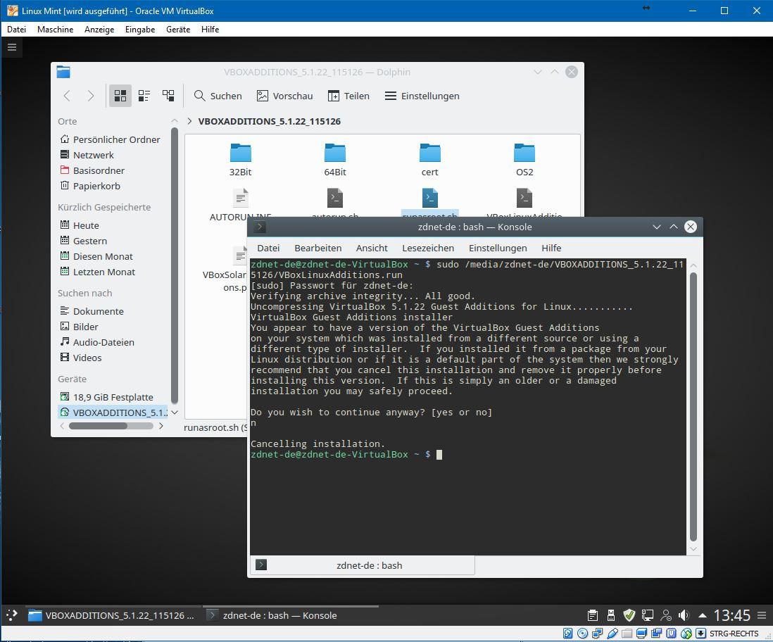 Hierfür öffnet man das Terminal und gibt den Befehl: <br>sudo sh ./VBoxLinuxAdditions.run</br> ./ ist hierbei Platzhalter für den Pfad, der sich je nach Nutzernamen unterscheidet. Allerdings führt das nicht zum gewünschten Ergebnis, weil offenbar schon eine Version der Gasterweiterungen installiert ist. Die Installation bricht man daher besser ab.