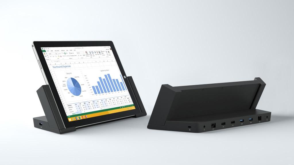 Mit der Docking Station lässt sich das Surface Pro 3 in einen Desktop-PC verwandeln. Sie bietet einen Gigabit-Ethernet-Port, drei USB-3.0- und zwei USB-2.0-Anschlüsse und einen Mini-Display-Port. Letztere bietet sogar die Möglichkeit 4K-Displays an das Gerät anzuschließen. Die Docking Station kostet knapp 200 Euro.