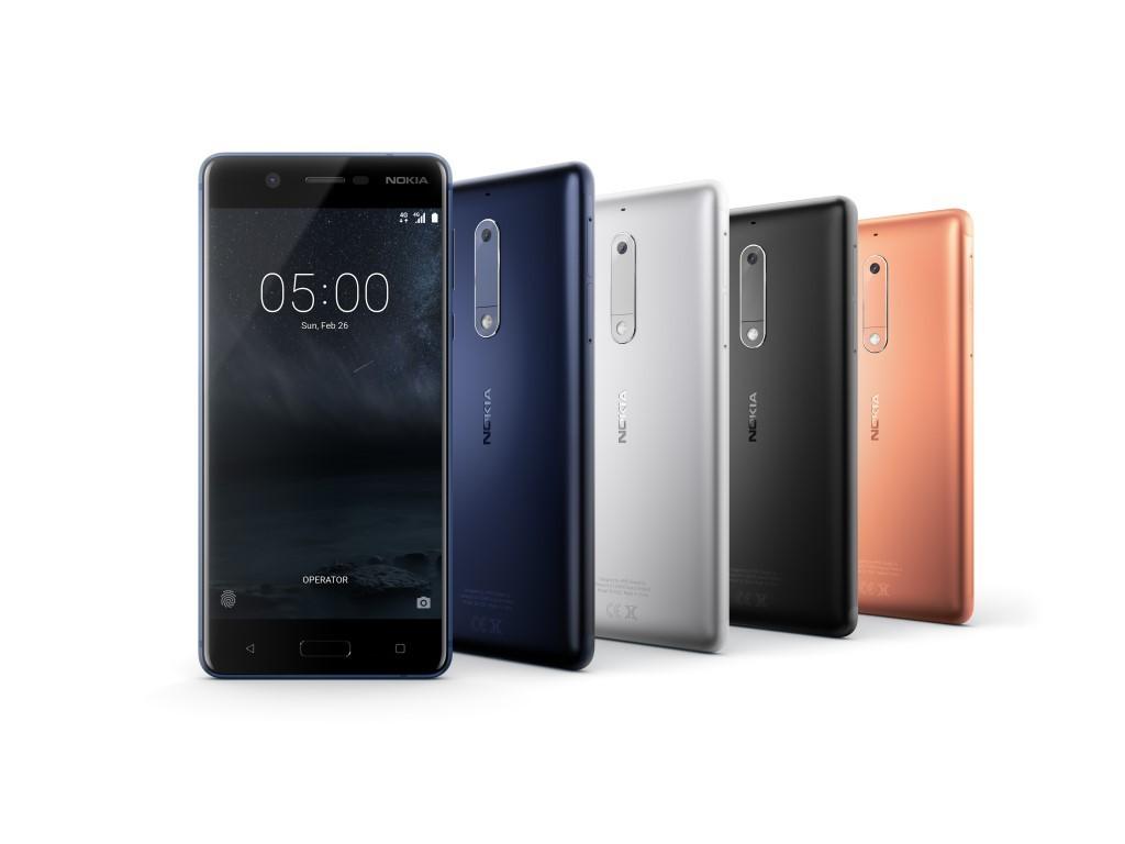 """<b>Nokia 5</b><br> Nokia ist zurück im Smartphonegeschäft und stellt auf dem Mobile World Congress das Nokia 5 vor. Das Smartphone ist mit Android 7.1.1 ausgestattet und wird von einem Snapdragon 430 angetrieben. Als Arbeitsspeicher stehen 2 GByte zur Verfügung. Der interne Speicher ist 16 GByte groß und kann über microSD-Karten um bis zu 128 GByte erweitert werden. Das 5,2 große SIPS-Display bietet eine Auflösung von 1280 x 720 Pixeln. Seine Helligkeit soll 500 nits betragen. Die Hauptkamera bietet eine Auflösung von 13 Megapixel und eine f/2.0-Blende. Für Selfies steht eine Frontkamera mit 8 Megapixel zur Verfügung. Das Nokia 5 soll im zweiten Quartal für 189 Euro erhältlich sein.<br> Außerdem hat Nokia angekündigt, das Anfang des Jahres in China vorgestellte <a href=\""""http://www.zdnet.de/88285752/hmd-global-stellt-erstes-android-smartphone-der-marke-nokia-vor/\"""" target=\""""_blank\"""">Nokia 6</a> nun auch in Europa zu vertreiben. Es soll für 229 Euro erhältlich sein. Die Version mit 64 GByte internem Speicher und 4 GByte RAM kostet 299 Euro.</br> Weitere Infos: <a href=\""""http://www.zdnet.de/88288643/mwc-nokia-zeigt-android-smartphones-nokia-3-und-5-sowie-neuauflage-des-3310/\"""" target=\""""_blank\"""">Nokia 5</a>"""