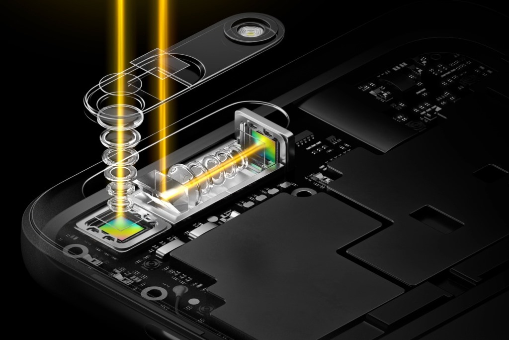 """<b>Oppo 5-fach-Zoom</b><br> Die schlanke Bauweise der Kamera wird durch einen Periskop-artigen Aufbau der Optik ermöglicht, an der Oppo nach eigenen Angaben fast ein Jahr gearbeitet hat. Bisher seien mehr als 50 Patente für die Technik beantragt worden. \""""Der 5-fache Dual-Kamera-Zoom eröffnet neue Bereiche in der Smartphone-Fotografie\"""", sagte Sky Li, Vice President und Managing Director für das internationale Geschäft bei Oppo.<br> Die Technik erlaubt den Einbau eines Tele-Objektivs mit einer längeren Brennweite, das einen optischen 3-fach Zoom bietet. Diesen kombiniert Oppo mit einer proprietären Technik für das Zusammenfügen von Bildern beider Optiken, was wiederum die branchenweit erste Dual-Kamera mit verlustfreiem 5-fach Zoom ergeben soll. \""""Dank der Periskop-artigen Konstruktion ist das 5-fach-Dual-Kamera-Modul nur 5,7 Millimeter dick, was sogar 10 Prozent weniger ist als bei typischen Smartphone-Linsen mit 2-fachem optischem Zoom.<br> Weitere Infos: <a href=\""""http://www.zdnet.de/88288779/mwc-oppo-enthuellt-5-fach-dual-kamera-zoomtechnik/\"""" target=\""""_blank\"""">Oppo 5-fach-Zoom</a>"""