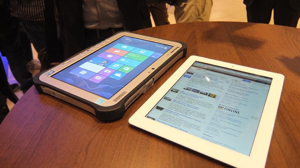 Toughpad  FZ-G1  im Vergleich zum iPad