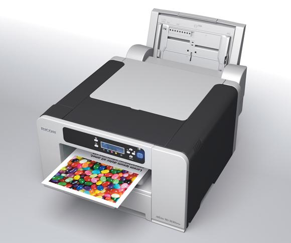 Der Multi-Bypass BY1040 sitzt an der Rückseite des Druckers und ist für 100 Blatt ausgelegt. Er ist optional für 220 Euro erhältlich (Foto: Ricoh).