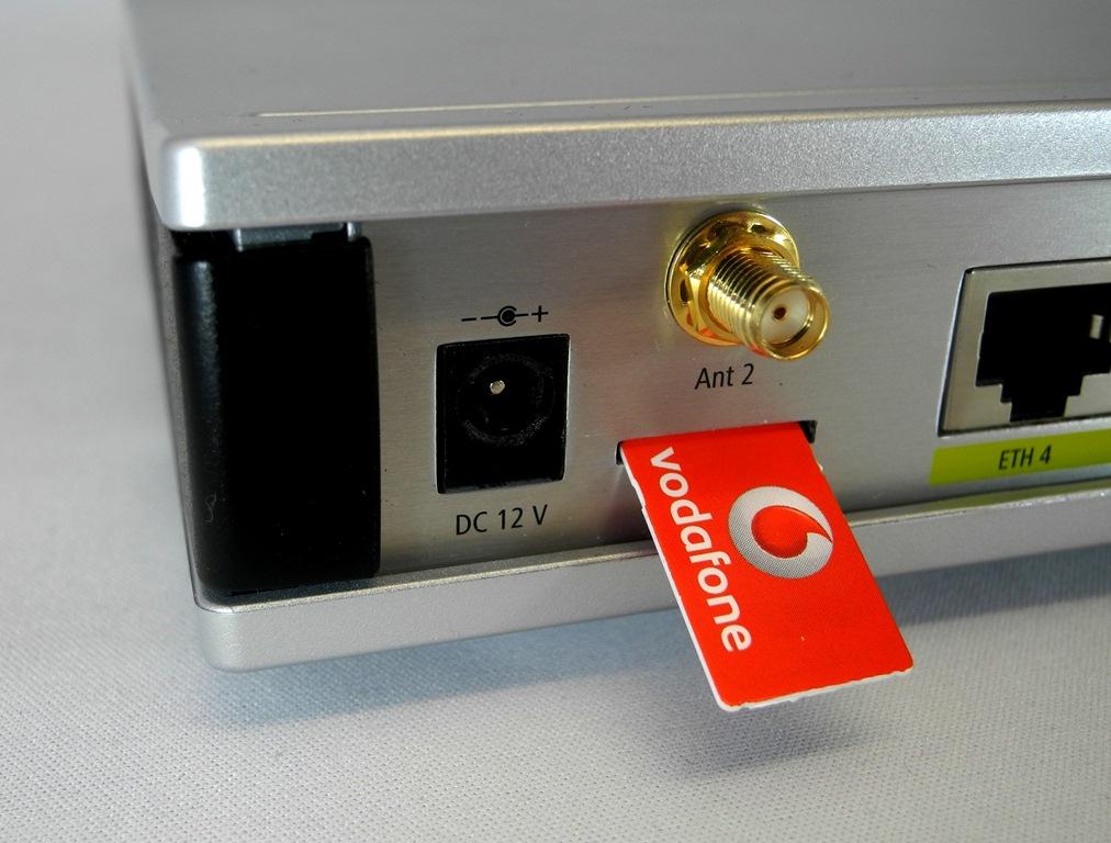 """Vodafone Deutschland konzentriert sich vorerst ganz auf den LTE-Ausbau bei 800 MHz. Damit ist der LTE-Speed bei Vodafone derzeit noch auf circa 50 MBit/s beschränkt. Erst in einem zweiten Schritt wollen die Düsseldorfer LTE-2600 verstärkt ausrollen. Vermutlich wird LTE-2600 bis dahin aber schon mehr als 100 MBit/s im Download schaffen (Foto: Harald Karcher). <br> <a href=\""""http://www.zdnet.de/88132147/lte-warum-kommen-keine-100-mbits-einflussfaktoren-der-4g-surfgeschwindigkeit/\"""" title=\""""Zum Artikel: LTE: Warum kommen keine 100 Megabit/s?\"""">Zum Artikel: LTE: Warum kommen keine 100 Megabit/s?</a>"""